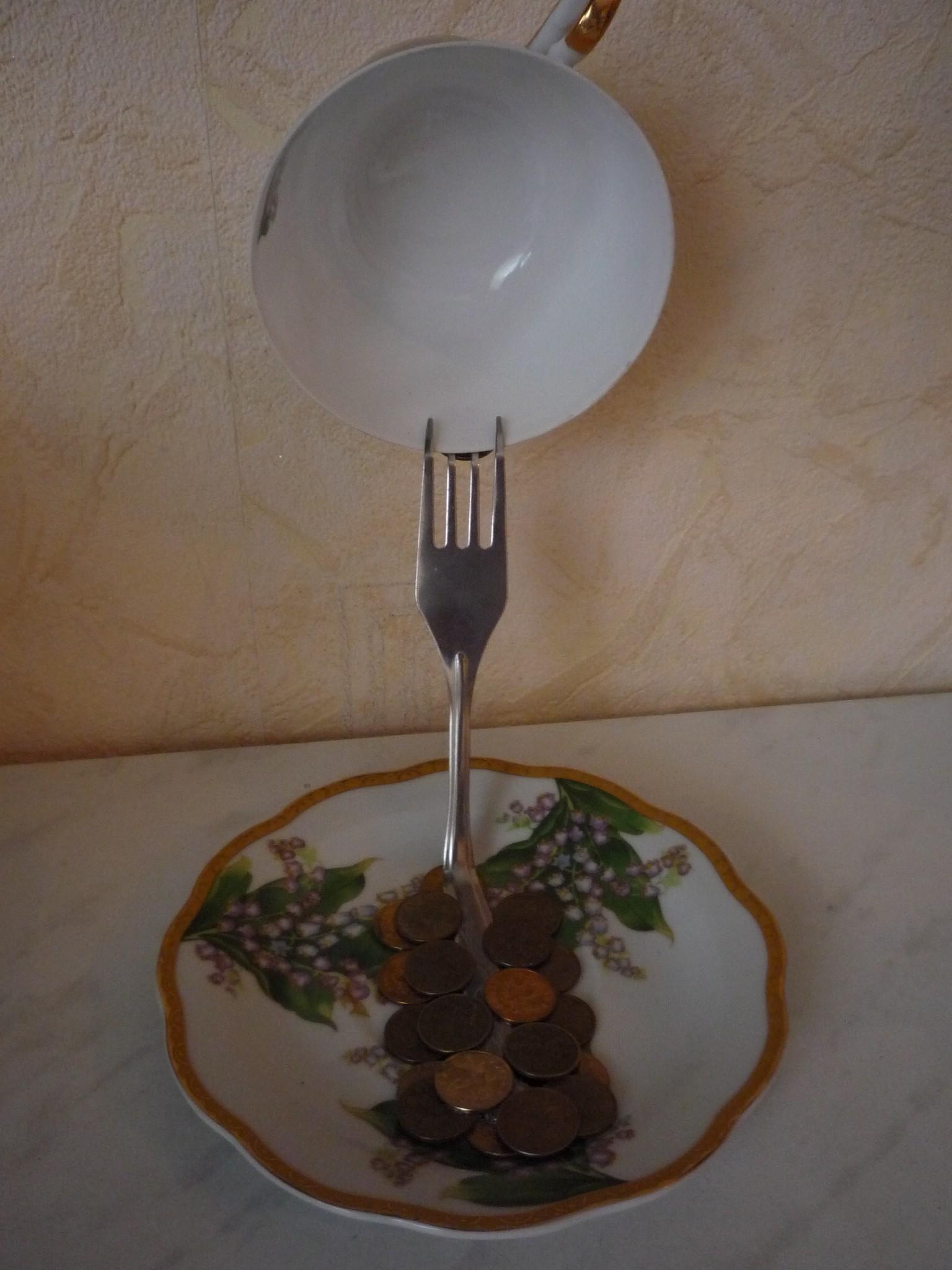 Чашка с блюдцем из газетных трубочек мастер класс с пошаговым фото