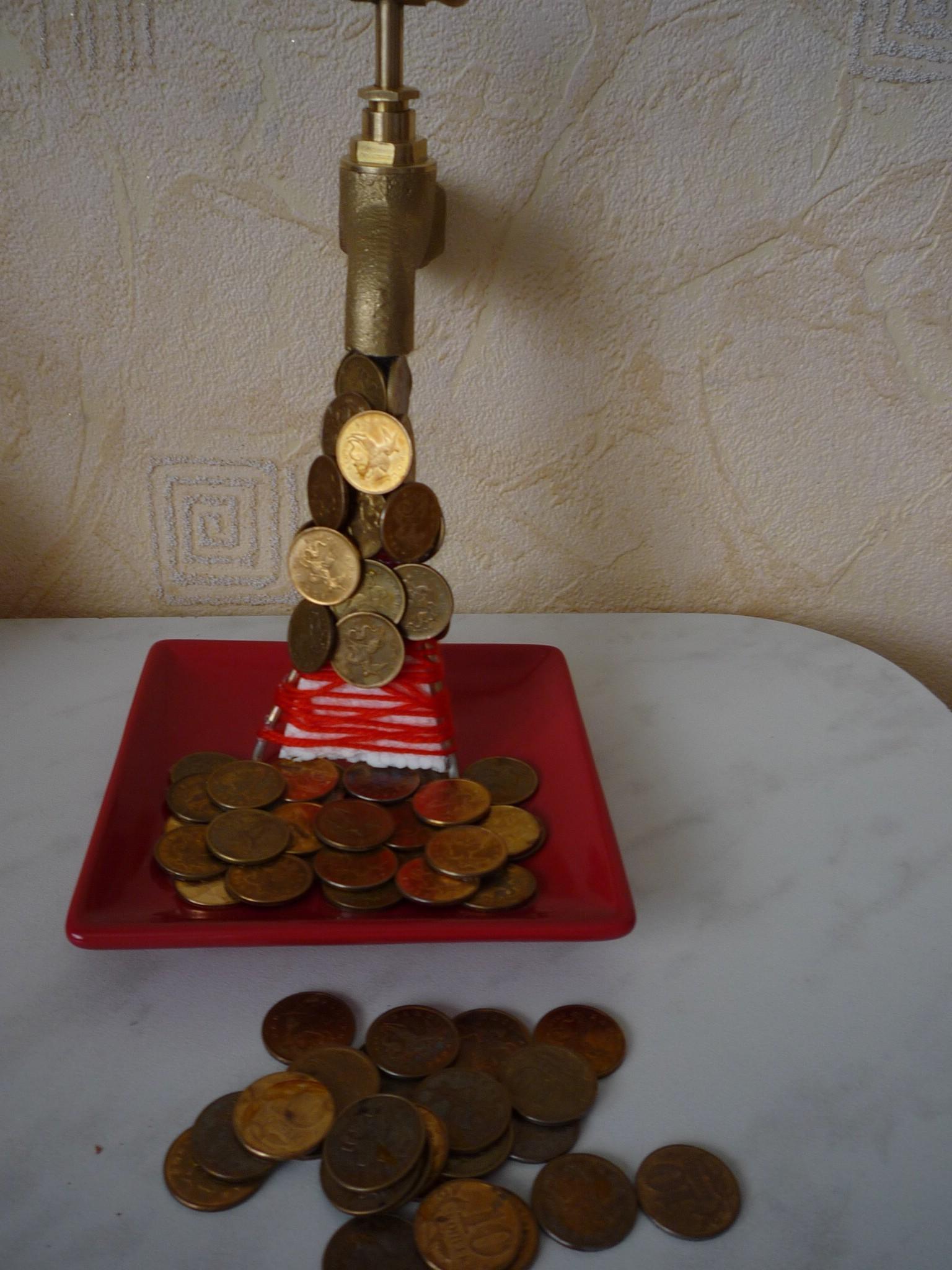 Денежный кран из монет своими руками 76