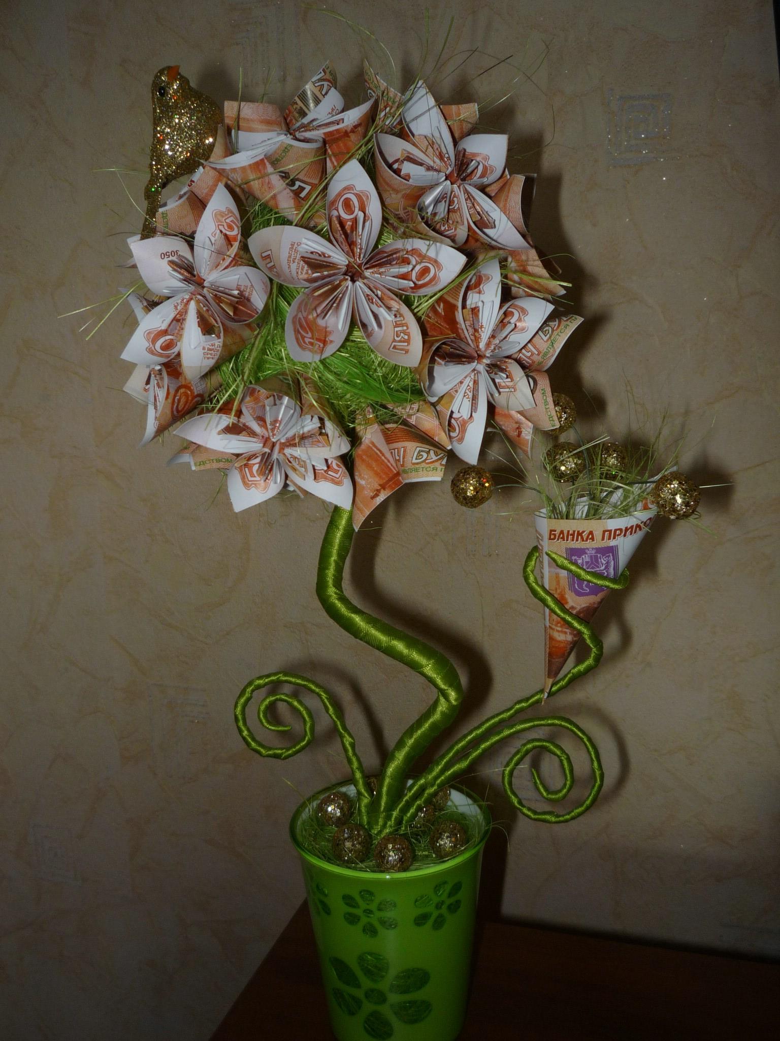 Топиарий из сизаля и купюр — цветы-кусудама