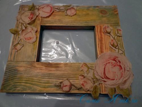 декупаж деревянной рамки для фото 10