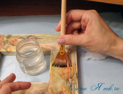декупаж деревянной рамки для фото 12