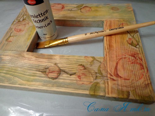 декупаж деревянной рамки для фото 13