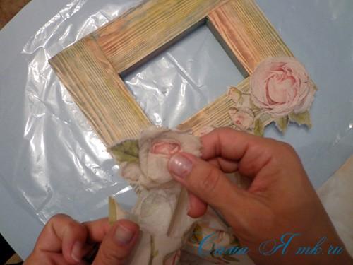 декупаж деревянной рамки для фото 9