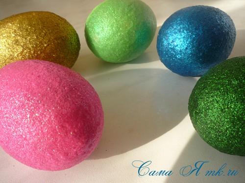 как украсить пасхальные яички блестками
