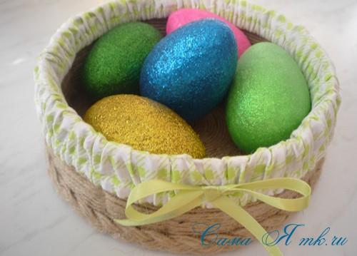 как украсить яйца блестками