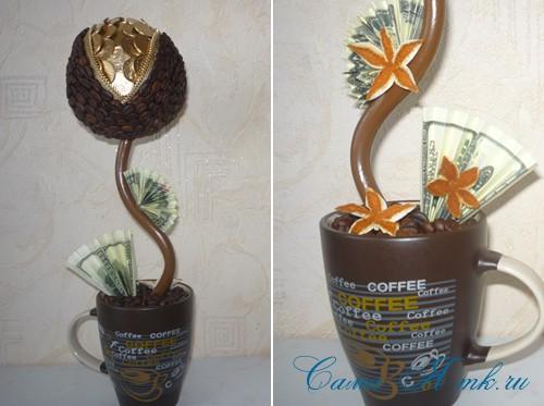 Топиарий из кофейных зерен с замочком и монетами 2