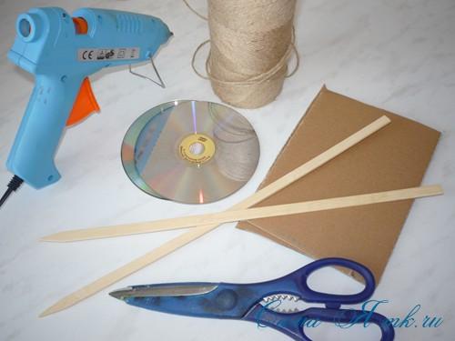 подхваты держатели для штор из CD дисков и шпагата 1