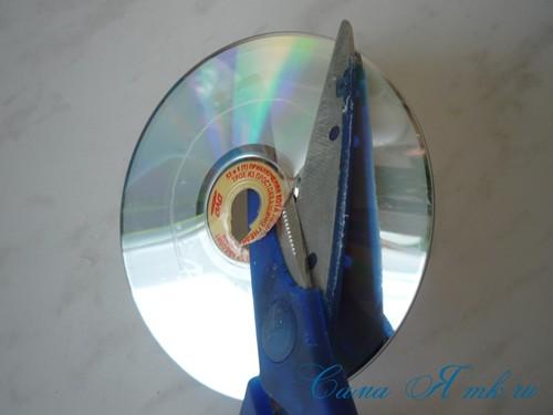 подхваты держатели для штор из CD дисков и шпагата 3