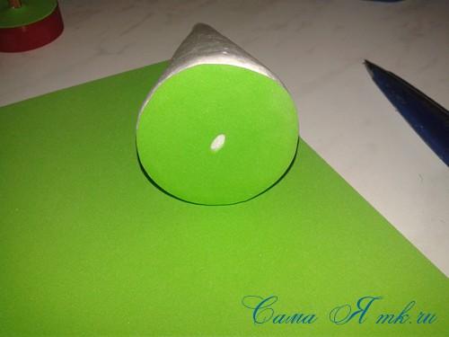 маленькая ёлочка из фоамирана фома своими руками 6 (Copy)