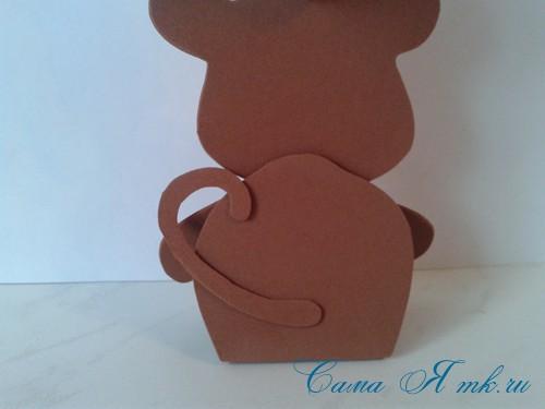 обезьянка из фоамирана с конфеткой 10 (Copy)