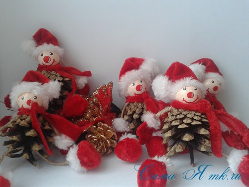 ёлочные игрушки-гномики из шишек 18 (Copy)