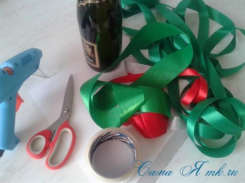 елка из бутылки шампанского и лент 1