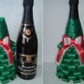 елка из бутылки шампанского и лент 40