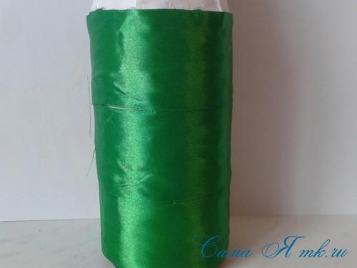 елка из бутылки шампанского и лент 9