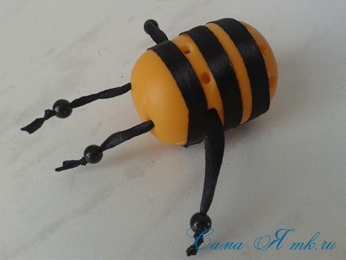 оригинальный контейнер с чесноком для ребенка пчелка из киндер сюрприза 11