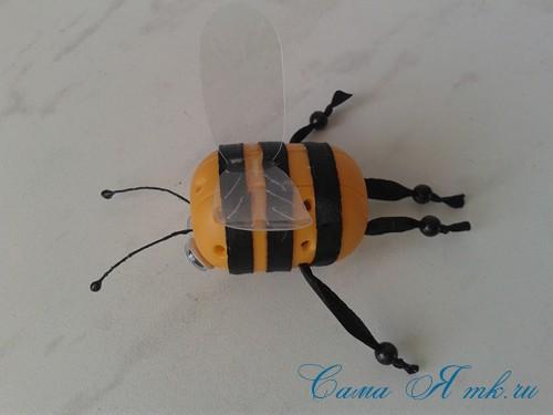оригинальный контейнер с чесноком для ребенка пчелка из киндер сюрприза 14