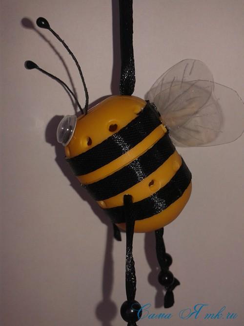 оригинальный контейнер с чесноком для ребенка пчелка из киндер сюрприза 19