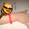 оригинальный контейнер с чесноком для ребенка пчелка из киндер сюрприза 22