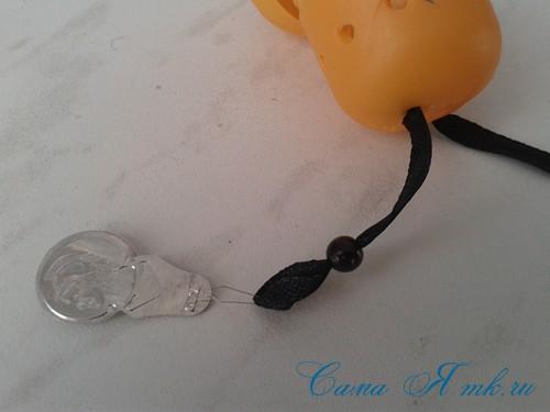 оригинальный контейнер с чесноком для ребенка пчелка из киндер сюрприза 7