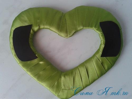 сердечки магниты к 14 февраля дню влюбленных из картона и лент своими руками 15