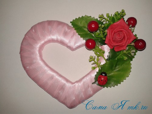 сердечки магниты к 14 февраля дню влюбленных из картона и лент своими руками 18