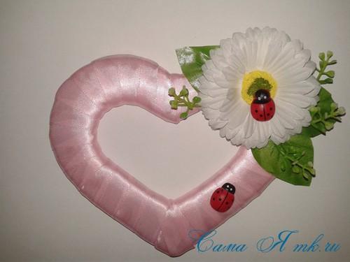 сердечки магниты к 14 февраля дню влюбленных из картона и лент своими руками 23