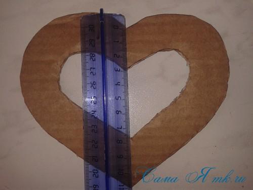 сердечки магниты к 14 февраля дню влюбленных из картона и лент своими руками 3