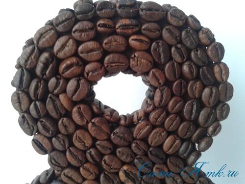 Сувенир к 8 Марта восьмерка из кофейных зёрен 18