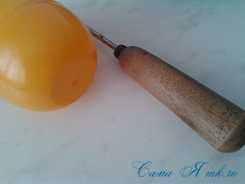 вязаные гремящие развивающие игрушки из яиц от киндер сюрприза своими руками крючком осьминог гусеница и жираф 20а
