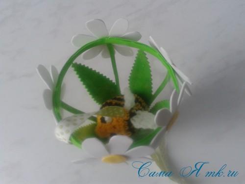 вязаные гремящие развивающие игрушки из яиц от киндер сюрприза своими руками крючком осьминог гусеница и жираф 53