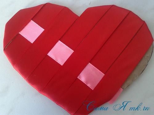 сердечки из атласных лент ко дню святого валентина своими руками 10