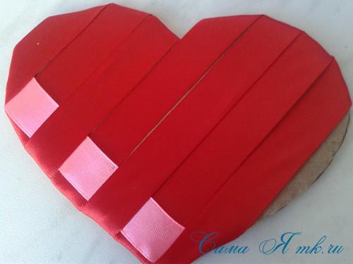 сердечки из атласных лент ко дню святого валентина своими руками 11