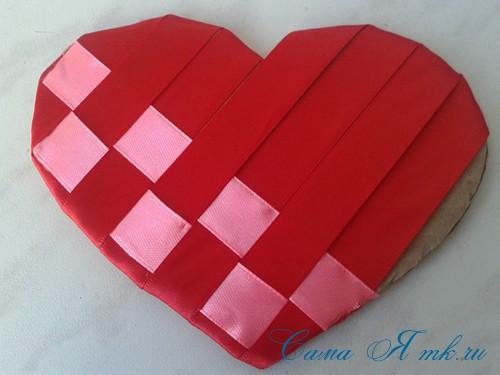 сердечки из атласных лент ко дню святого валентина своими руками 12