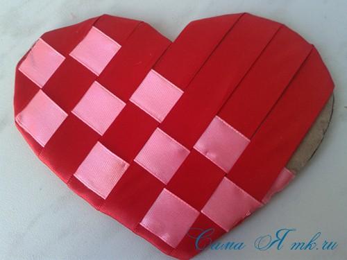 сердечки из атласных лент ко дню святого валентина своими руками 13
