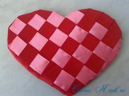 сердечки из атласных лент ко дню святого валентина своими руками 15