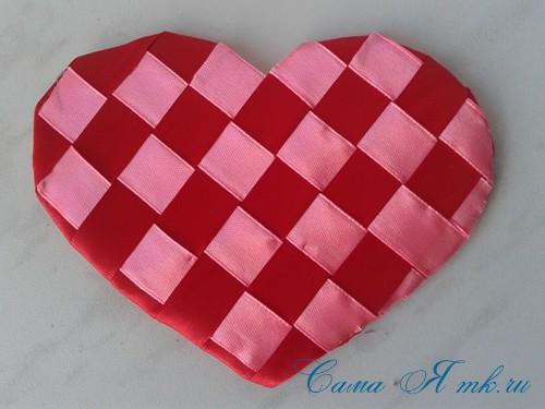 сердечки из атласных лент ко дню святого валентина своими руками 16