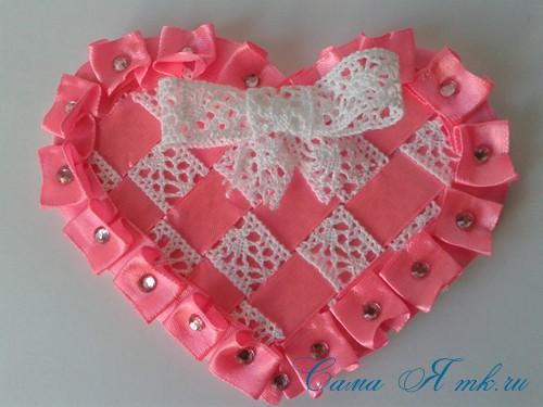 сердечки из атласных лент ко дню святого валентина своими руками 31