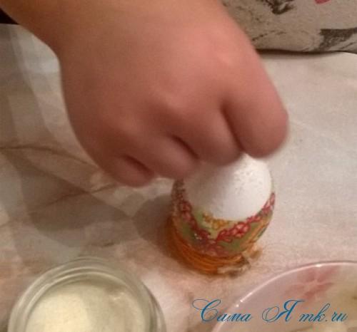 декупаж украшение пасхальных яиц вместе с детьми подручными материалами 2