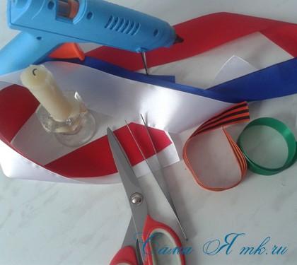 Георгиевская лента с букетиком тюльпанов в технике канзаши острый вывернутый лепесток  1