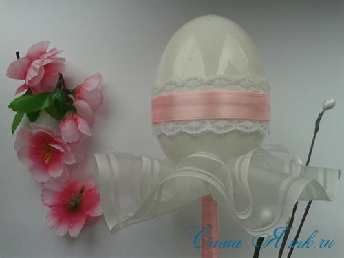 Пасхальный топиарий из сувенирного пластикового большого яйца 10