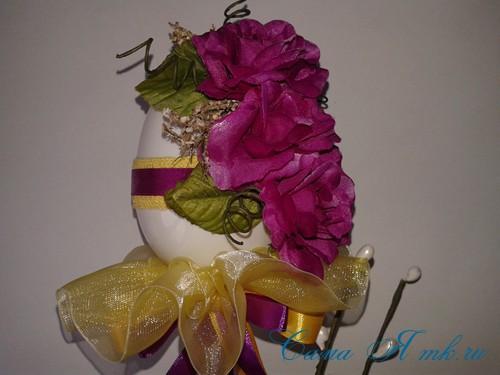 Пасхальный топиарий из сувенирного пластикового большого яйца 19