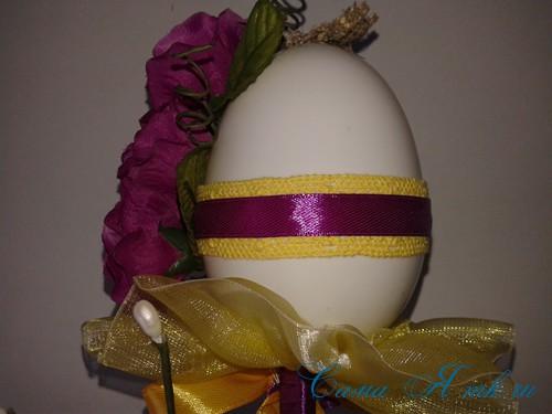 Пасхальный топиарий из сувенирного пластикового большого яйца 22