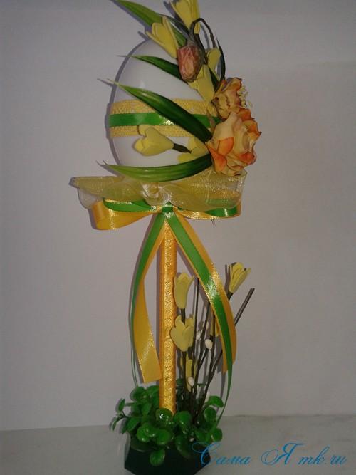 Пасхальный топиарий из сувенирного пластикового большого яйца 23