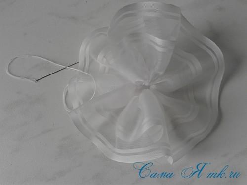Пасхальный топиарий из сувенирного пластикового большого яйца 5
