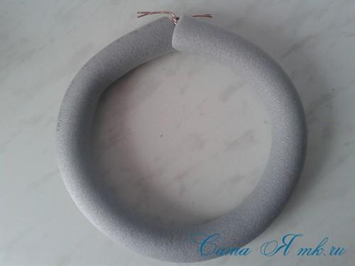 весенний пасхальный венок из сизаля и трубы для утепления труб термофлекса 2