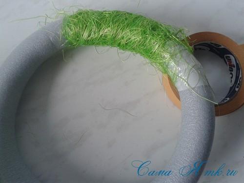 весенний пасхальный венок из сизаля и трубы для утепления труб термофлекса 6