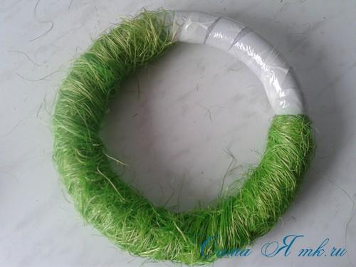 весенний пасхальный венок из сизаля и трубы для утепления труб термофлекса 8