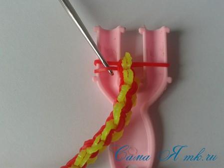 браслет из резинок на рогатке круговые узелки для начинающих 38