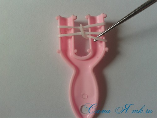 браслет из резинок на рогатке перекаты для начинающих 6