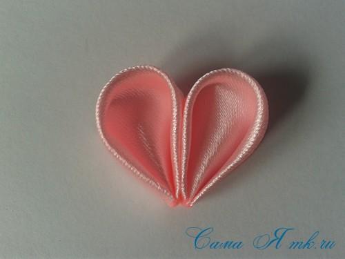 заколочка сердечко канзаши из атласных лент своими руками мк мастер-класс 29